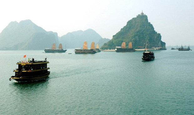 Ha Long determined to become civilised, friendly city hinh anh 1
