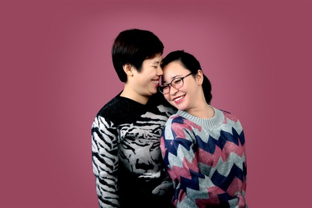 Exhibition on lesbian couples to open in Hanoi hinh anh 1
