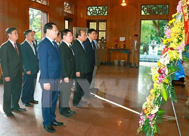 PM pays homage to late President Ho Chi Minh hinh anh 1