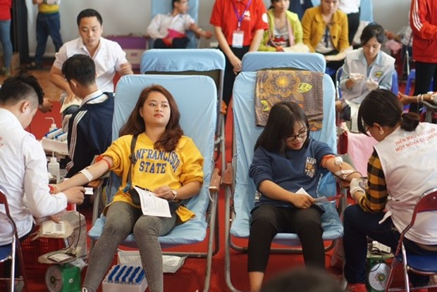 """""""Red Spring"""" festival collects 9,300 blood units hinh anh 1"""