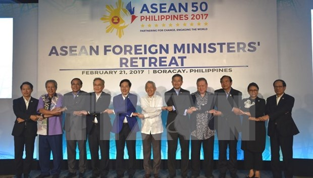 ASEAN should focus more on improving people's life quality hinh anh 1
