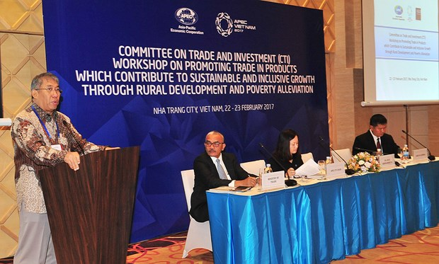 APEC SOM 1 continues with busy agenda on fifth day hinh anh 1