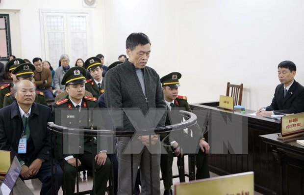 Two sentenced to death in Vinashinlines embezzlement hinh anh 1