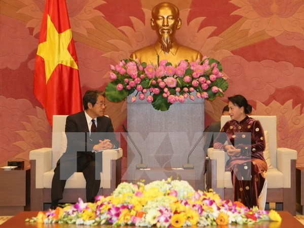 Top legislator receives Japanese, Thai ambassadors hinh anh 1