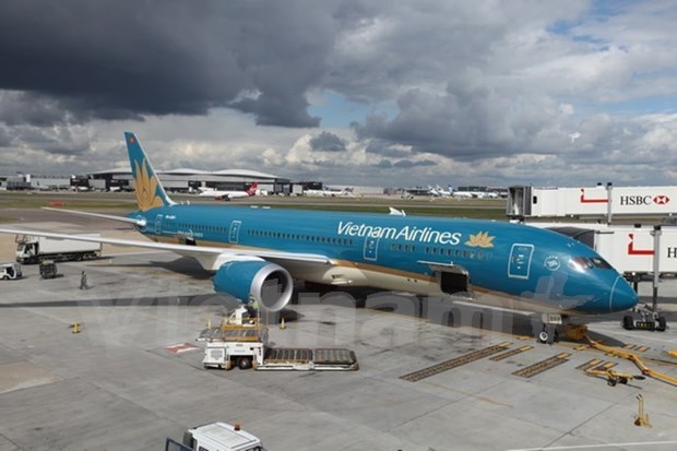 Hanoi, Vietnam Airlines ink cooperation agreement hinh anh 1