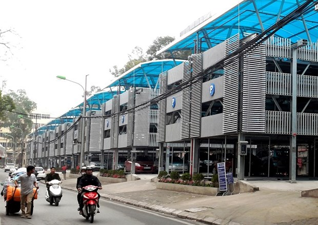 Hanoi pilots software to manage public car parks hinh anh 1