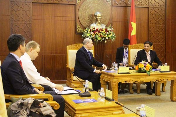 Khanh Hoa calls for increased economic cooperation with US, Russia hinh anh 1