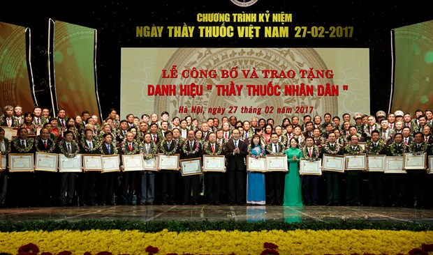 President urges better public health care hinh anh 1