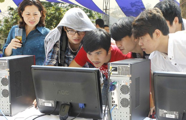60 percent connected to the Internet in Vietnam hinh anh 1