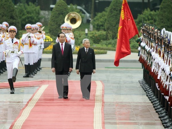 State President greets Japanese Emperor, Empress hinh anh 1