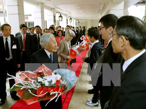 Emperor's visit to Vietnam makes Japanese media's headlines hinh anh 1