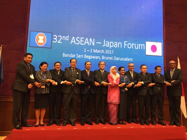 ASEAN remains big priority in Japan's foreign policy hinh anh 1