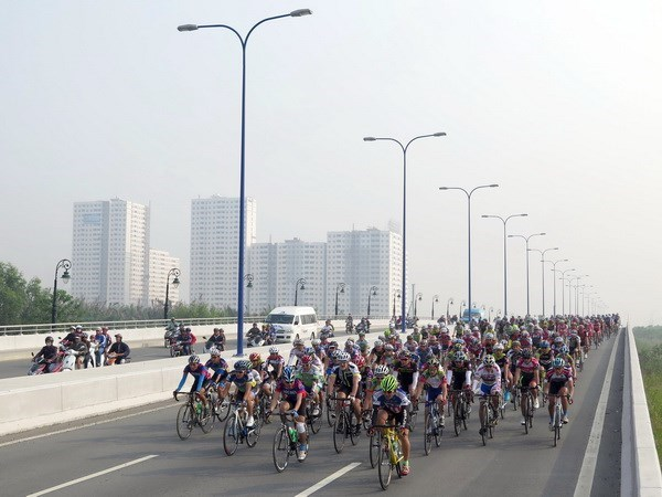 Binh Duong int'l cycling race attracts nine foreign teams hinh anh 1