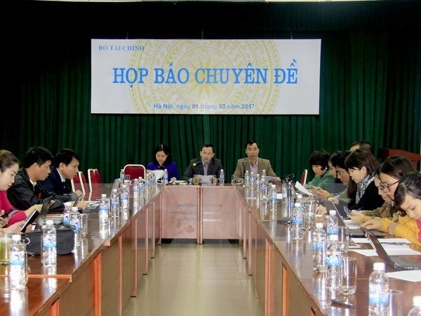 Gov't guarantees reduced to 70 percent hinh anh 1