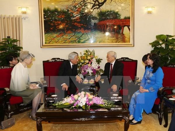 Party leader receives Japanese Emperor Akihito hinh anh 1