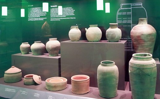 Vietnam archaeological treasures exhibition successful in Germany hinh anh 1
