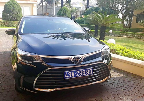 Da Nang returns luxury gift car hinh anh 1