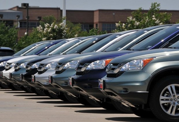 Ministries, localities told not to buy cars hinh anh 1