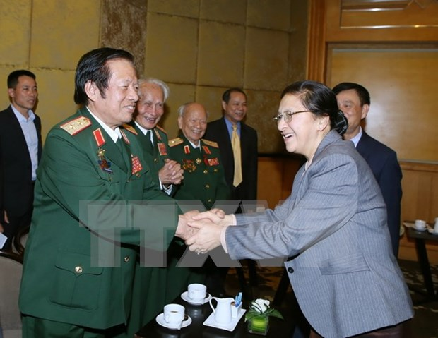 Friendship associations work to boost Vietnam-Laos relations hinh anh 1