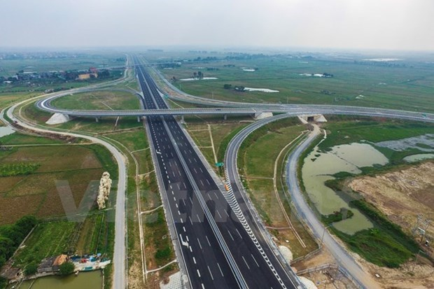 ADB continues infrastructure investment in Vietnam hinh anh 1