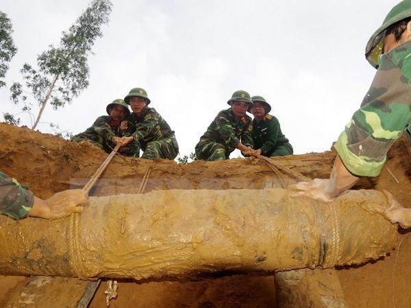 Binh Dinh to spend 392 billion VND on UXO clearance hinh anh 1