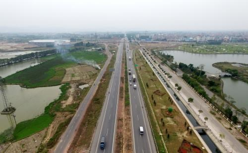 Transport Ministry proposes three options to build north-south highway hinh anh 1