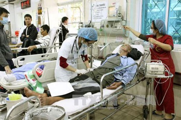 Methanol poisoning up in Hanoi hinh anh 1