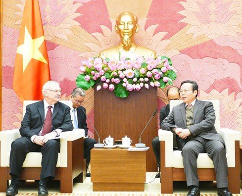 NA Vice Chairman receives US-ASEAN Business Council delegation hinh anh 1