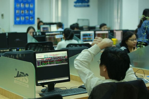 VN-Index ends four-day rally hinh anh 1