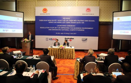 Joint efforts urged to improve national business climate hinh anh 1