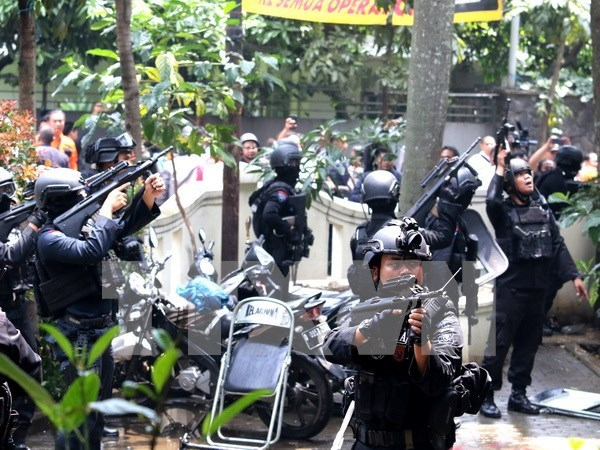Indonesia police arrests six alleged terrorists hinh anh 1