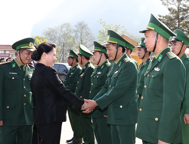 Border guards in Dien Bien commended for anti-crime, diplomatic efforts hinh anh 1