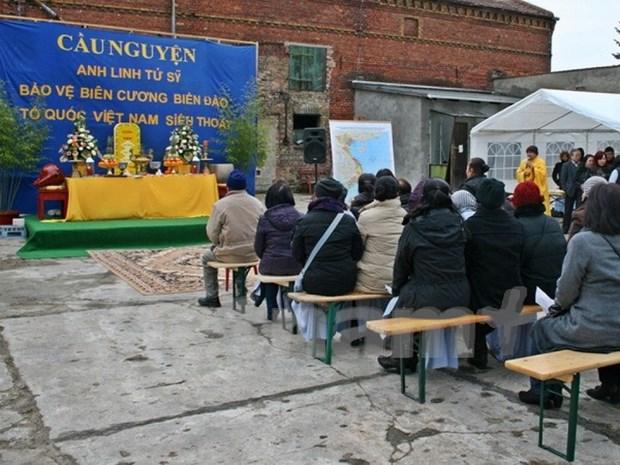Berlin ceremony commemorates Vietnamese martyrs hinh anh 1