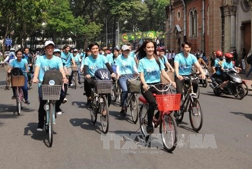 HCM City launches Earth Hour 2017 hinh anh 1