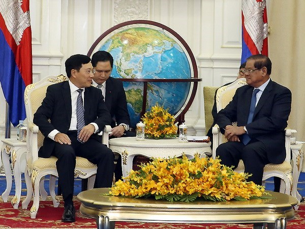 Deputy PM meets Cambodia's acting Prime Minister hinh anh 1