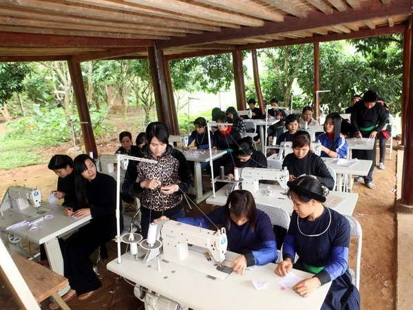 Women's economic empowerment – strong commitment of Vietnam: minister hinh anh 1