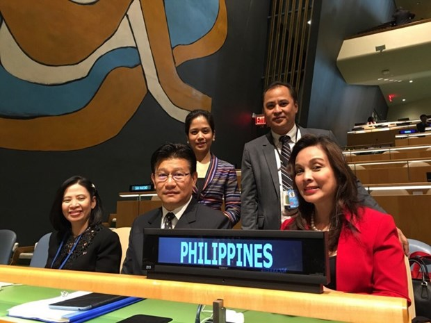 Philippines ratifies Paris pact on climate change hinh anh 1