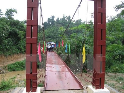Quang Nam builds new bridges in disadvantaged areas hinh anh 1