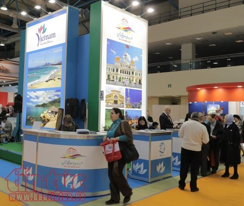 Vietnam attends int'l tourism fair in Russia hinh anh 1