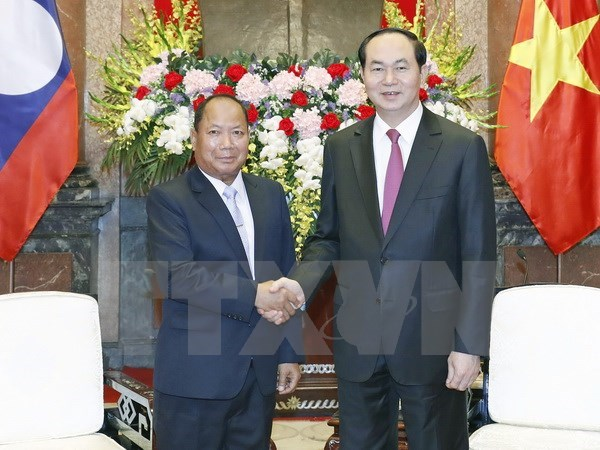 President hosts Lao Minister of Public Security hinh anh 1
