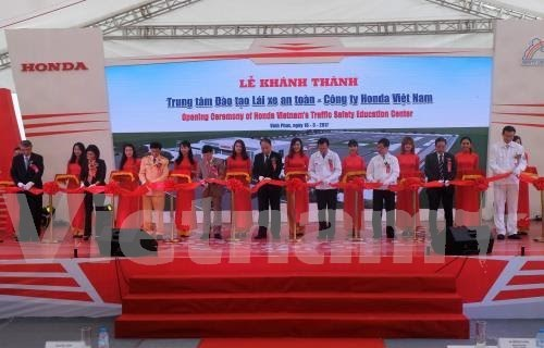 Honda Vietnam launches global standard driver training centre hinh anh 1