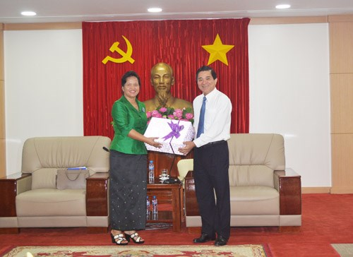 Binh Duong bolsters cooperation with Cambodian women's association hinh anh 1