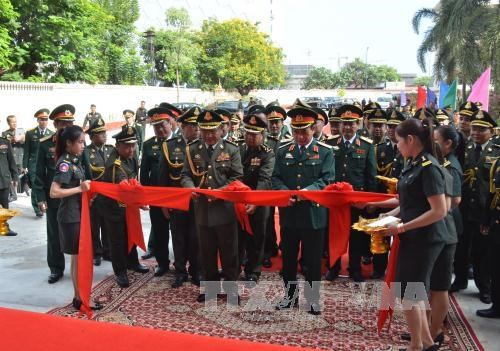 Vietnam, Cambodia boost defence ties hinh anh 1