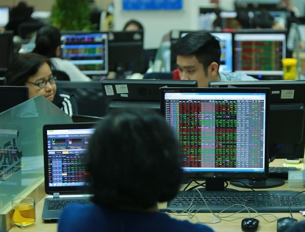 Market rebound likely as shareholders meet hinh anh 1
