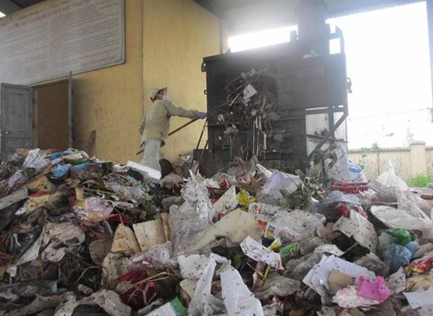 Vinh Phuc: Dozens of service co-operatives treat waste hinh anh 1