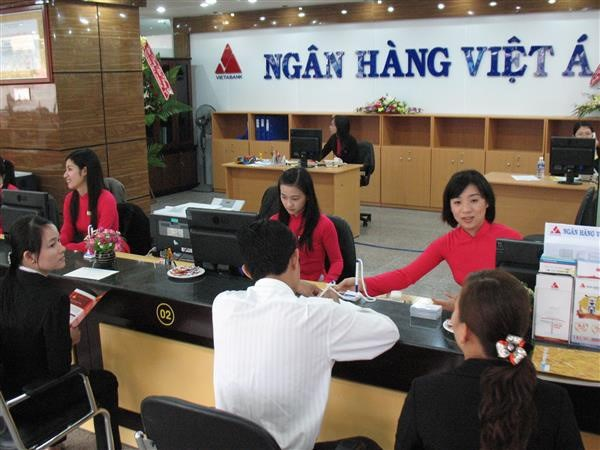 Some banks enter new rate race hinh anh 1