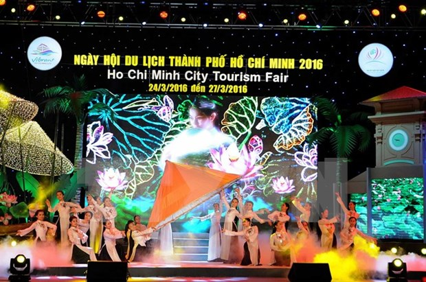 Tourism festival offers big discount tours, air tickets hinh anh 1