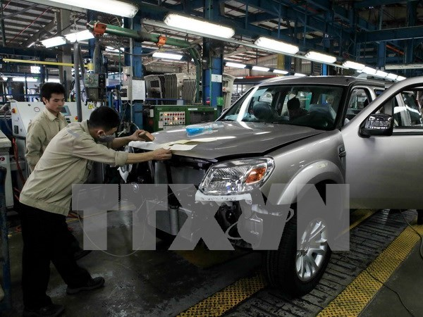 MoIT pursues dream of auto industry hinh anh 1