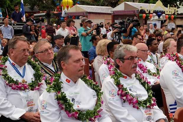 Chefs open Hoi An international food fest hinh anh 1
