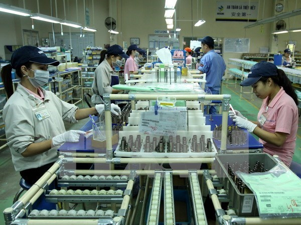 Japanese investors shift eye to service sector hinh anh 1